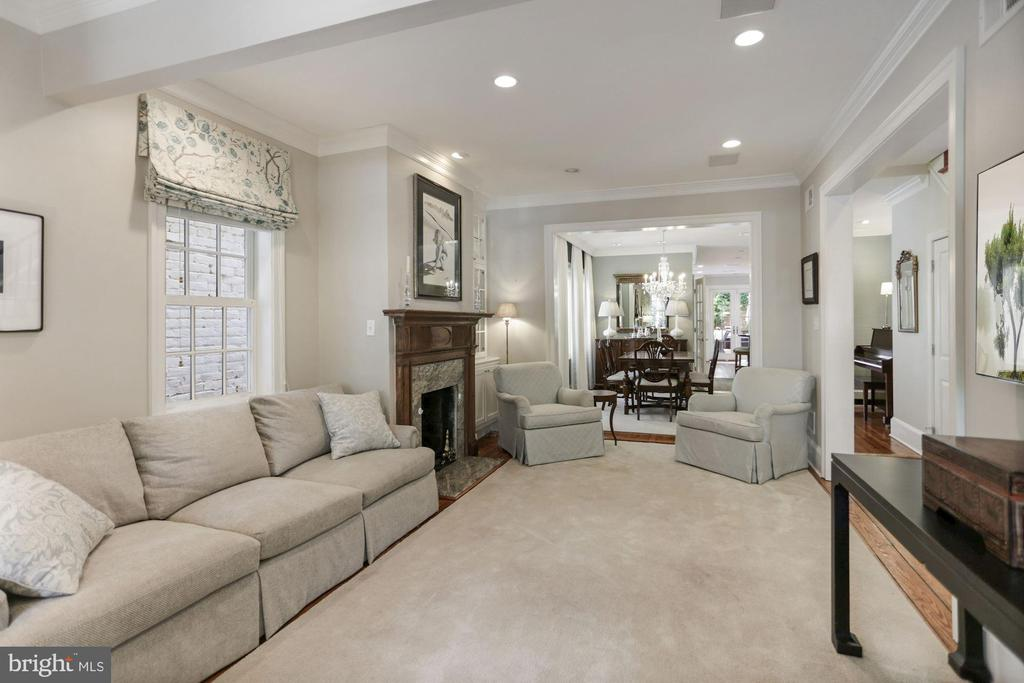 Magnificent original heart pine floors - 121 6TH ST NE, WASHINGTON