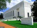 Folger Library - 121 6TH ST NE, WASHINGTON