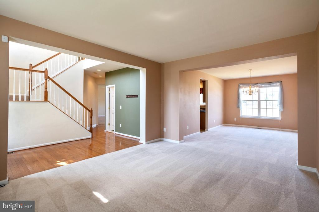 FORMAL LIVING AND DINING - 402 CRAIG DR, STEPHENS CITY