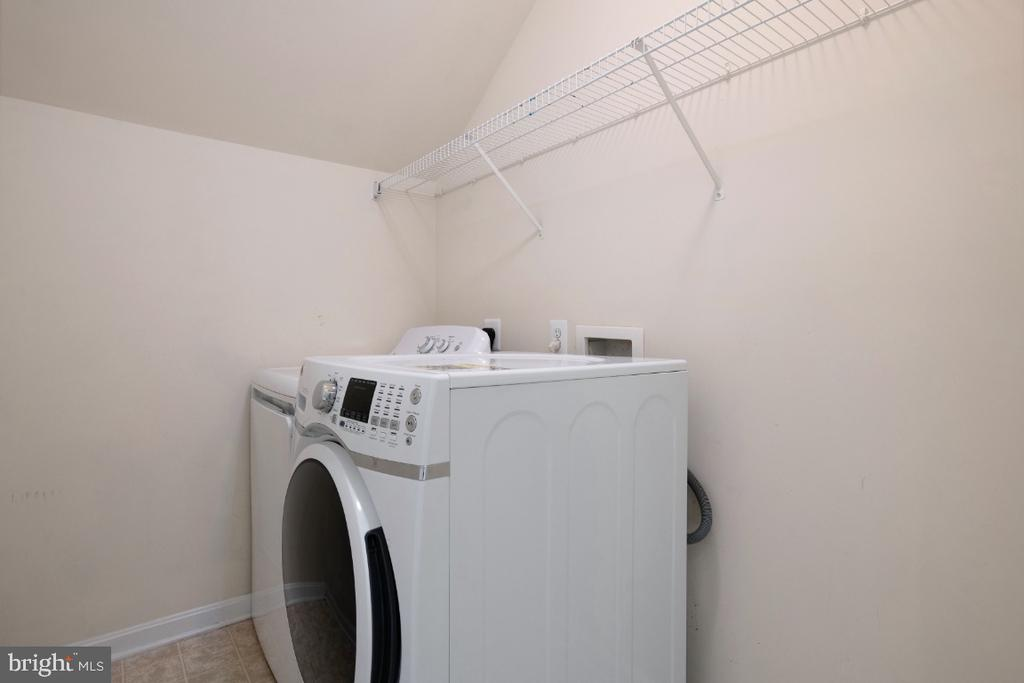 WASHER AND DRYER ROOM UPSTAIRS - 402 CRAIG DR, STEPHENS CITY
