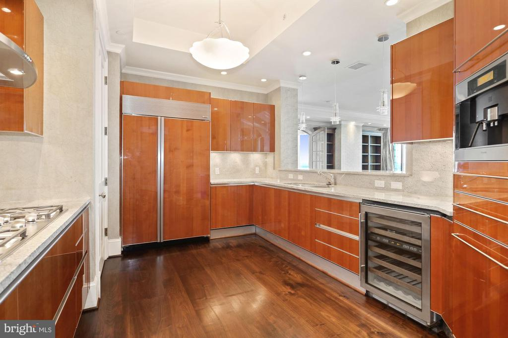 Elegant kitchen with SS Miele appliances - 1881 N NASH ST #2311, ARLINGTON