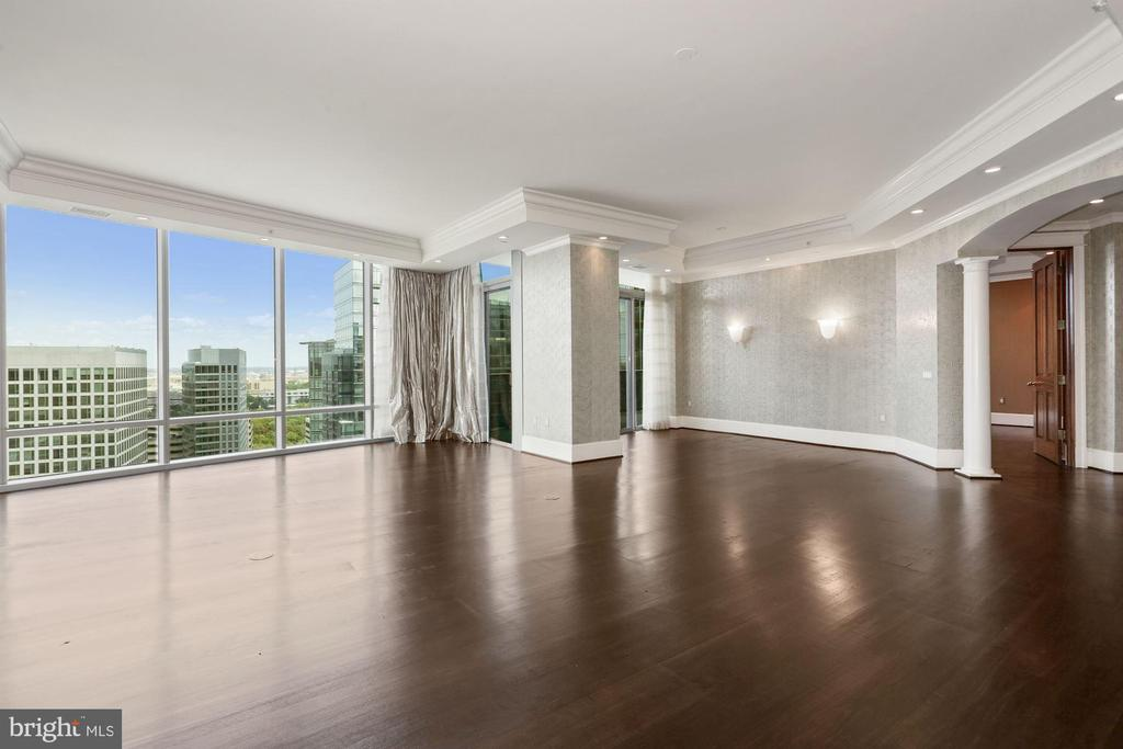 Lovely living area & separate dining area - 1881 N NASH ST #2311, ARLINGTON