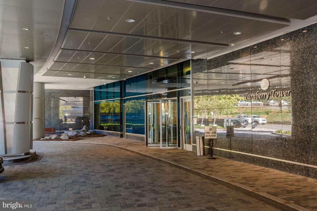 Beautiful entrance &  valet area - 1881 N NASH ST #2311, ARLINGTON