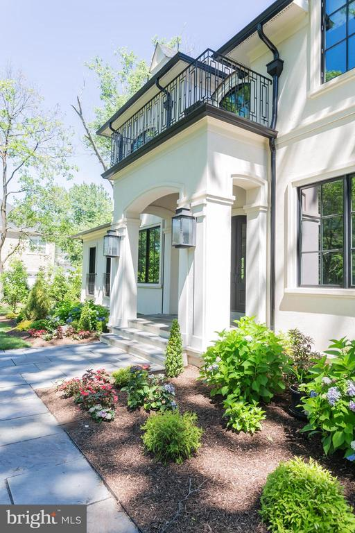 Exquisite Details Can Be Found at Every Turn - LOT 87 MUNSUN PL, LEESBURG