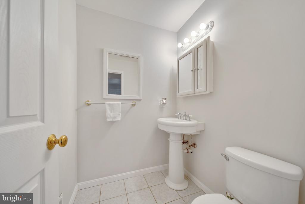 Half Bathroom Off the Family Room - 2919 MONROE PL, FALLS CHURCH