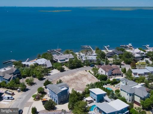 56 BAYVIEW DR - LONG BEACH TOWNSHIP
