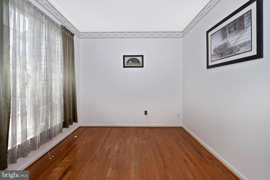 1st floor office/library - 6904 BARON CT, FREDERICK
