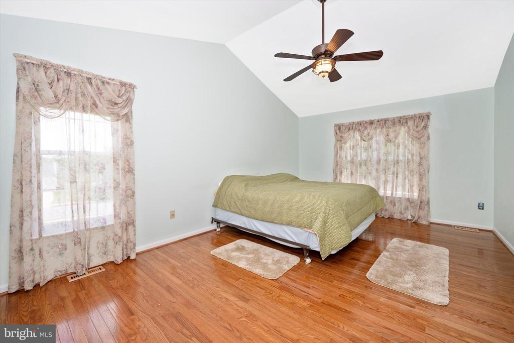 Master Bedroom - 6904 BARON CT, FREDERICK