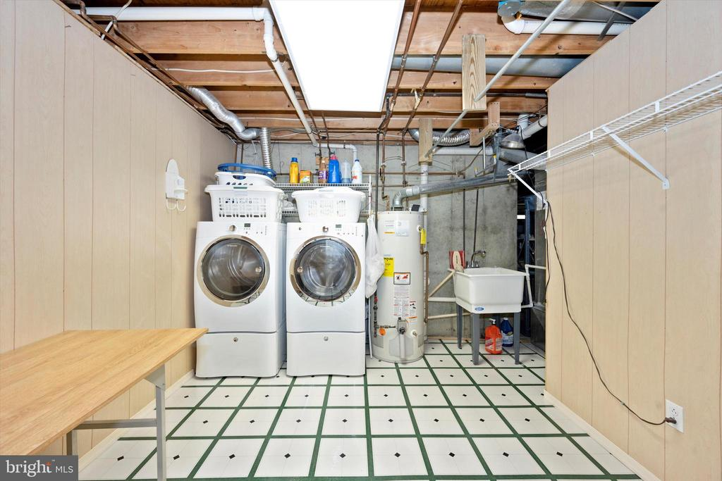 HUGE Laundry room for all purposes - 6904 BARON CT, FREDERICK