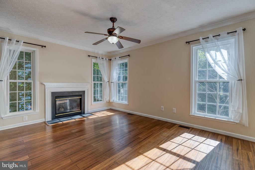 Family Room - 8163 REAGAN DR, KING GEORGE