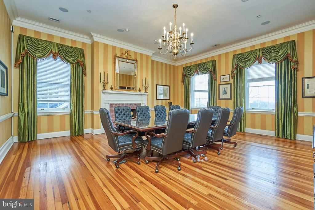 Belmont country club amenity - Conference room - 20003 BELMONT STATION DR, ASHBURN