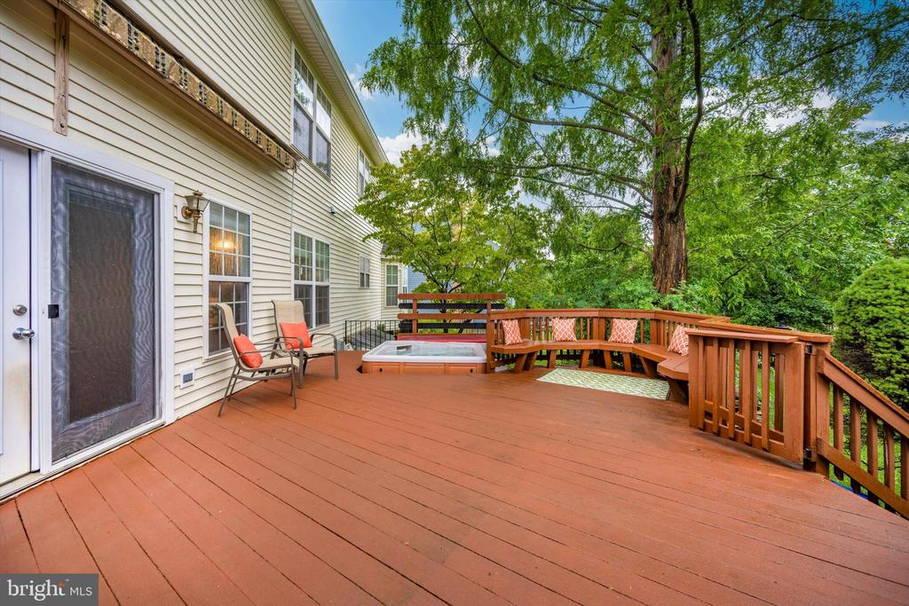 Relax and enjoy the summer - 6304 SPRING FOREST RD, FREDERICK