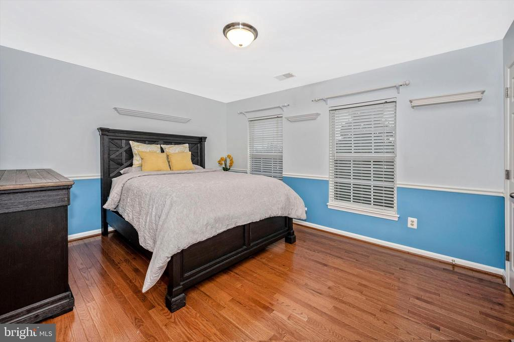 3rd Bedroom connects with Jack & Jill bathroom - 6304 SPRING FOREST RD, FREDERICK