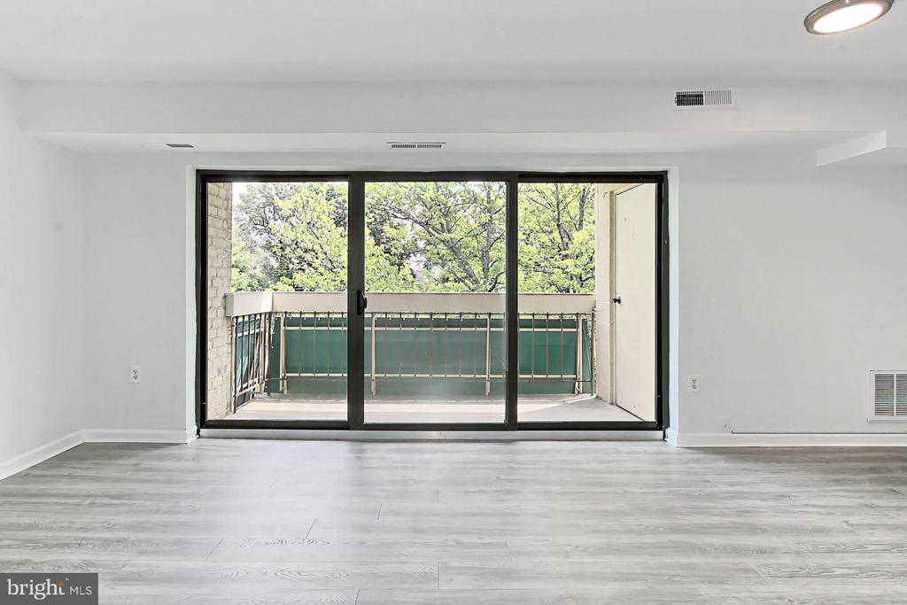 All windows and sliding doors replaced in 2021!! - 6137 LEESBURG PIKE #602, FALLS CHURCH