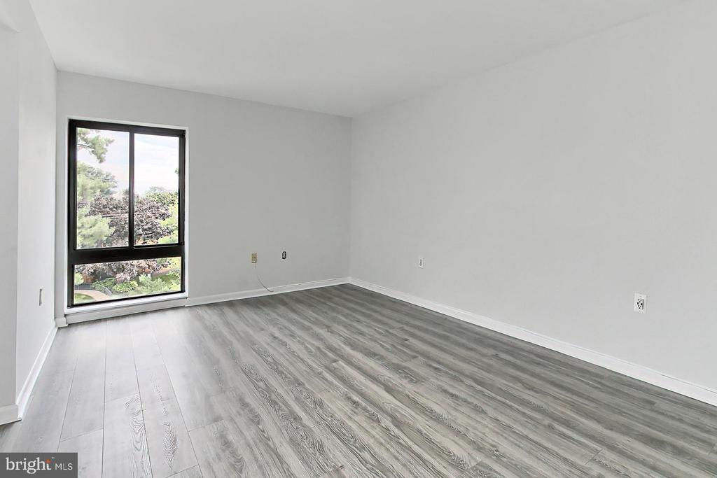 Window stretches all the way to the floor! - 6137 LEESBURG PIKE #602, FALLS CHURCH