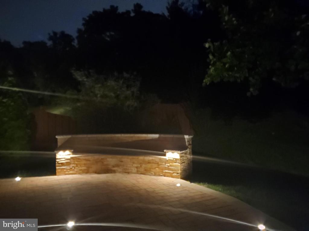 8' Stone Bench Seats - 8043 WINSTEAD MANOR LN, LORTON