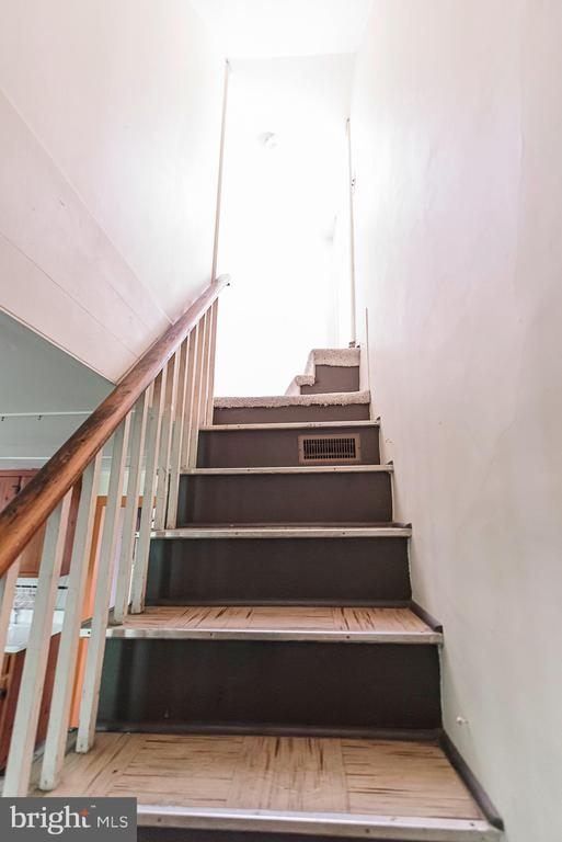 Pigtail stairs - 371 HENRY CLAY, HARPERS FERRY