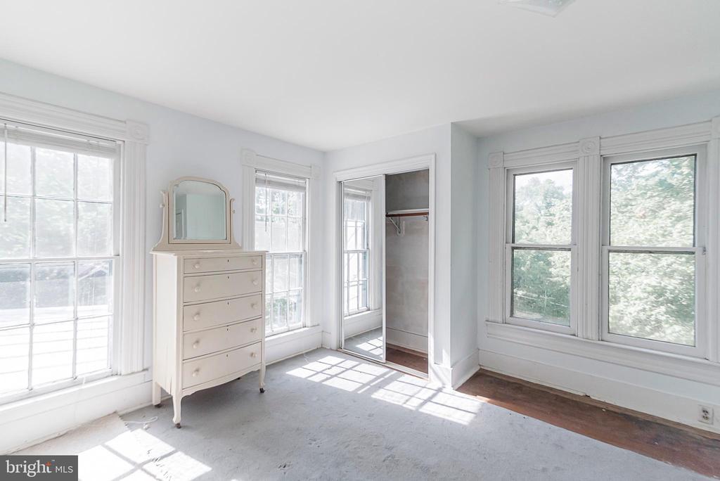 upper floor bedroom - 371 HENRY CLAY, HARPERS FERRY