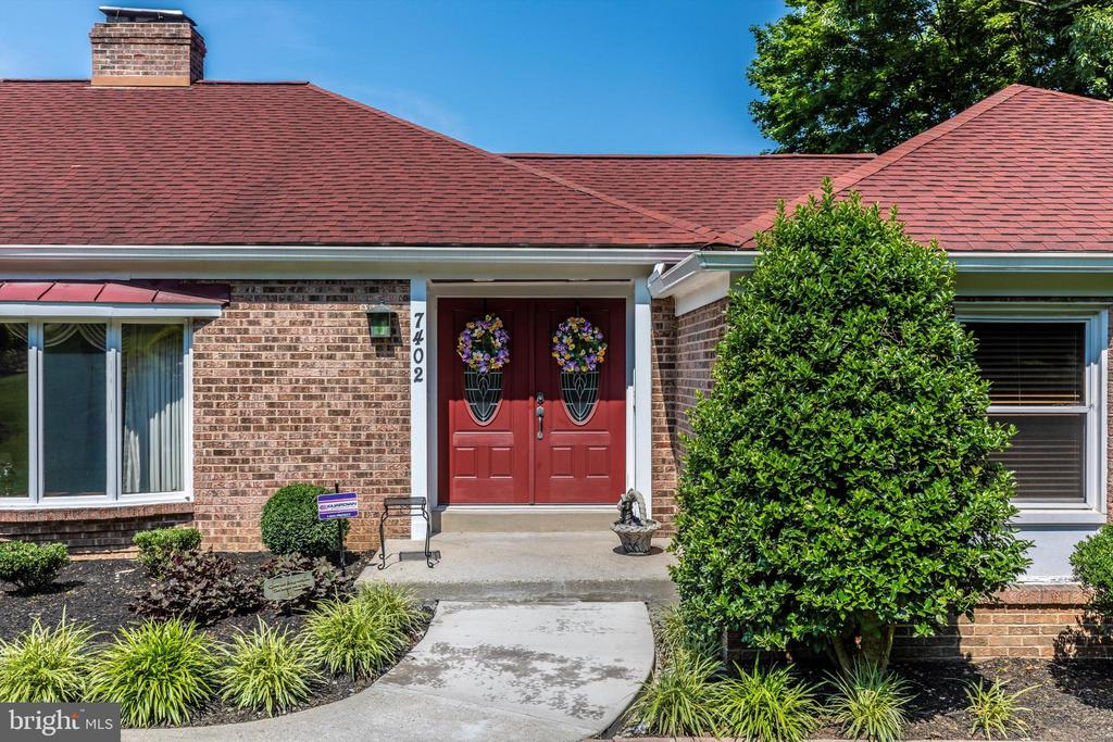 Front Entry - 7402 ROUND HILL RD, FREDERICK