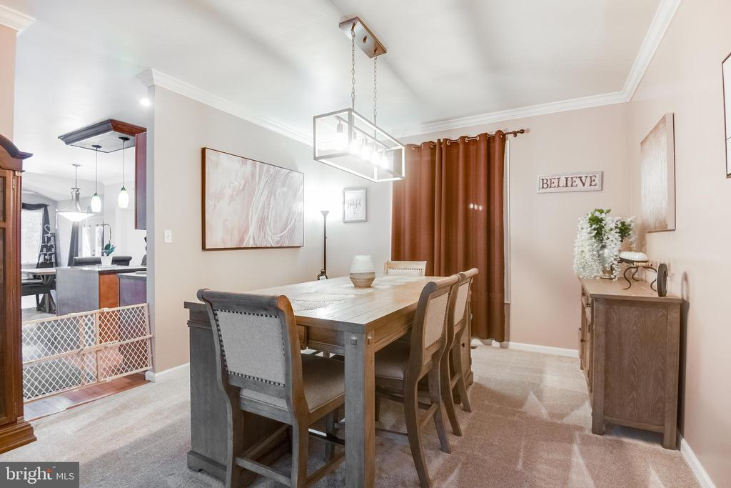 Dining room  is located off living room - 8305 VENTNOR RD, PASADENA