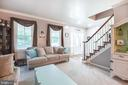 Living room with windows galore - 8305 VENTNOR RD, PASADENA