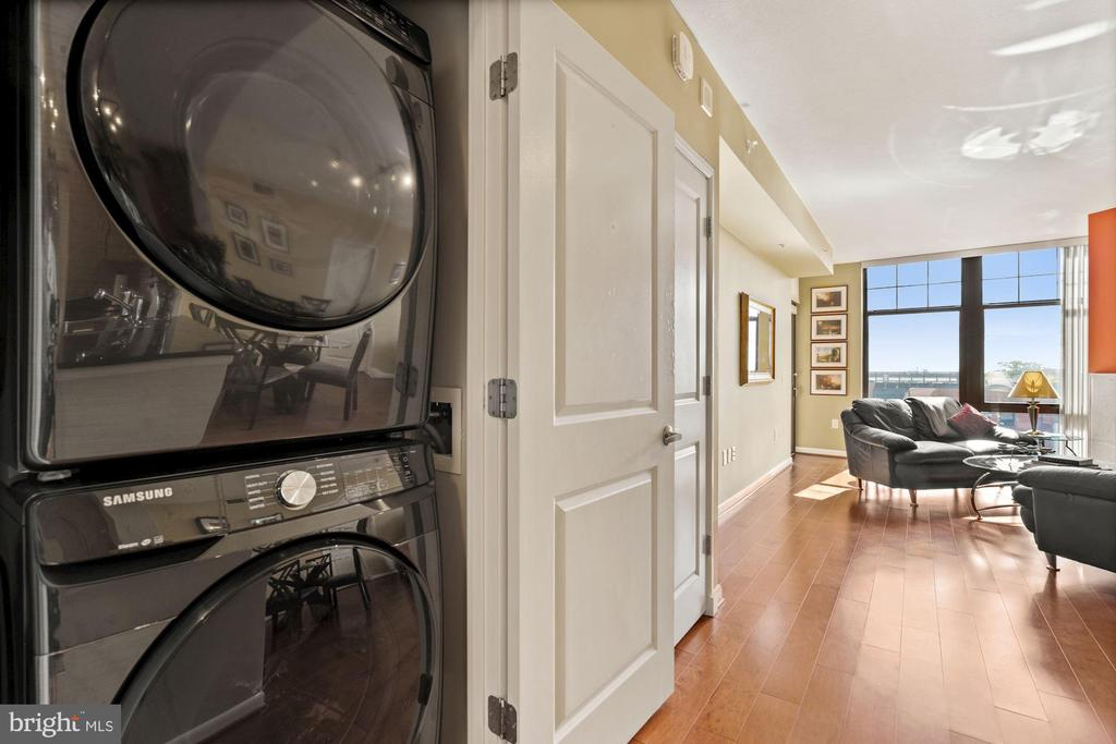 Large, stacked front loading washer/dryer - 1021 N GARFIELD ST #731, ARLINGTON