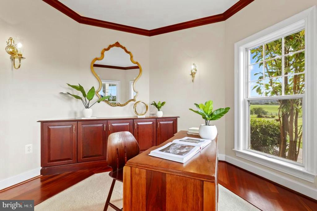 Study with french doors - 14868 CIDER MILL RD, HILLSBORO