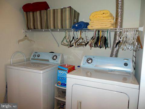 Washer-dryer on upstairs level - 20064 NORTHVILLE HILLS TER, ASHBURN