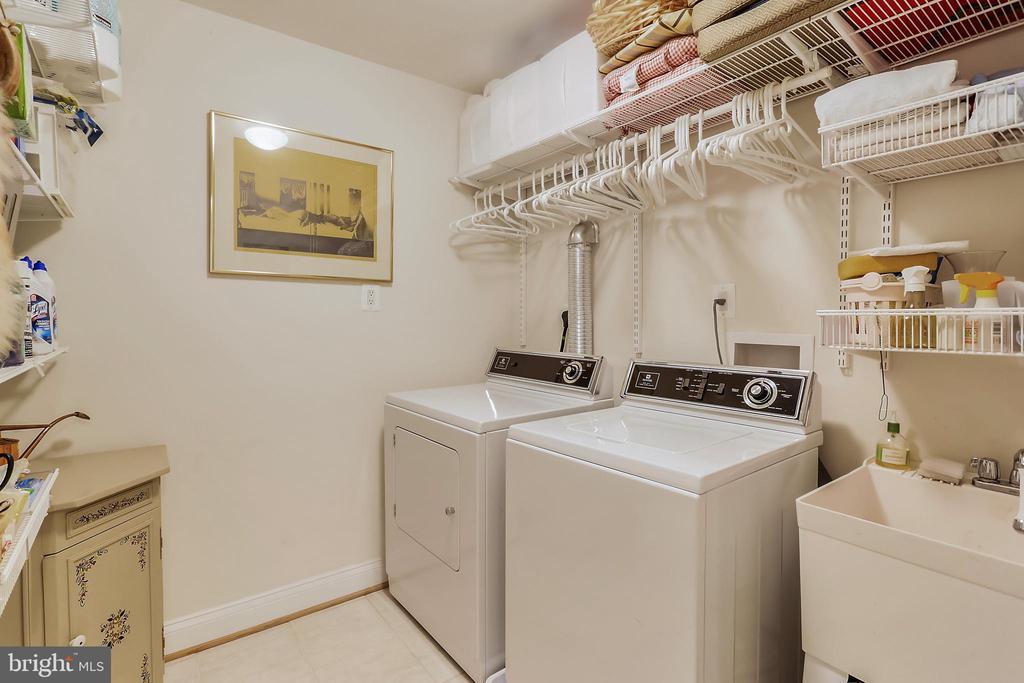 Laundry room - 8619 TERRACE GARDEN WAY, BETHESDA