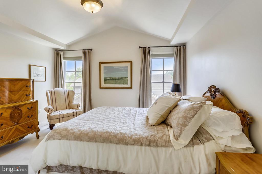 Bedroom 3 - 4th floor - 8619 TERRACE GARDEN WAY, BETHESDA
