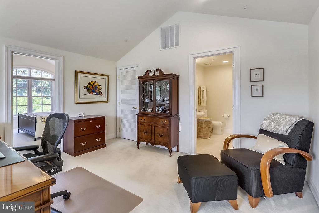 4th floor office - 8619 TERRACE GARDEN WAY, BETHESDA