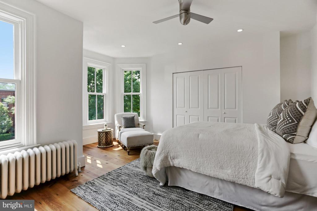 Recessed lighting & ceiling fan, Elfa closets - 1838 VERMONT AVE NW, WASHINGTON