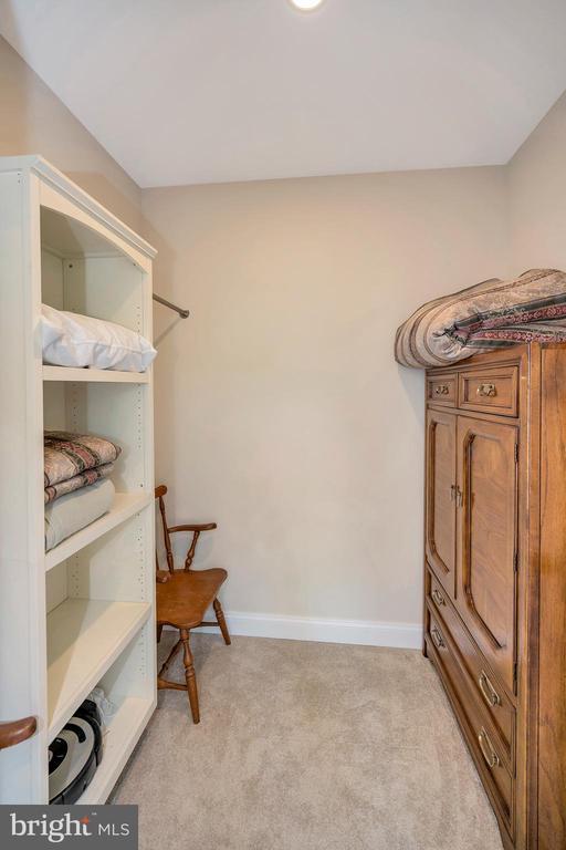 walk in upper level master walk in closet - 108 BEACHSIDE CV, LOCUST GROVE