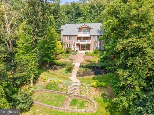 20 RIVER FOREST LN