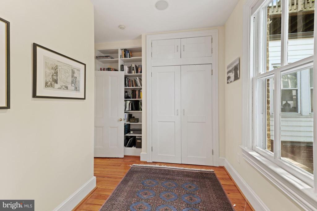 2nd Bedroom Custom closet - 709 E CAPITOL ST SE, WASHINGTON