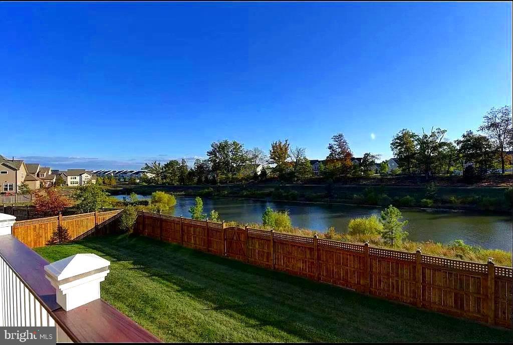 Water View! - 23384 MORNING WALK DR, BRAMBLETON