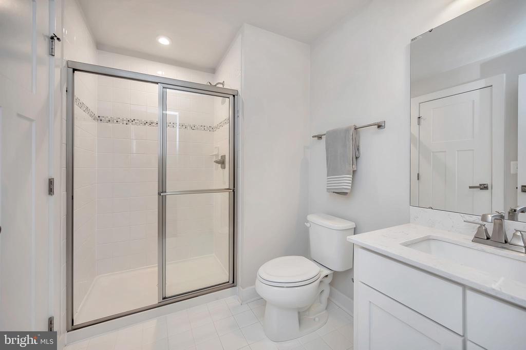 5th Full Bath (lower-level) - 17152 BELLE ISLE DR, DUMFRIES