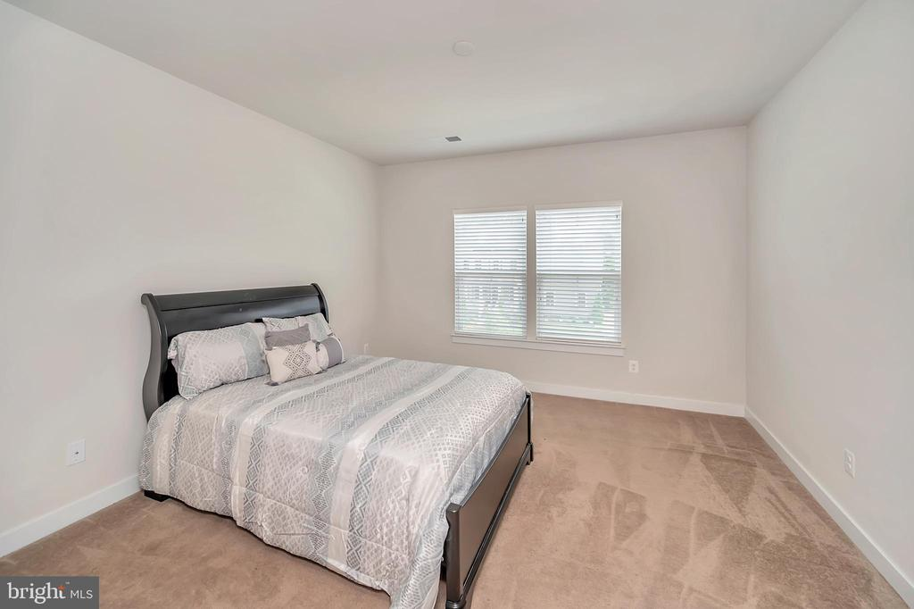 4th Bedroom (upper-level) - 17152 BELLE ISLE DR, DUMFRIES