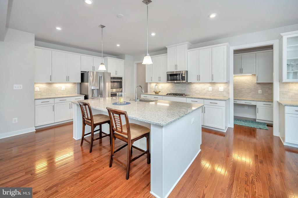 Functional Kitchen - 17152 BELLE ISLE DR, DUMFRIES
