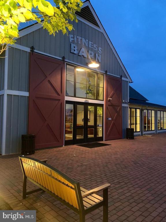 Fitness Barn - 17152 BELLE ISLE DR, DUMFRIES