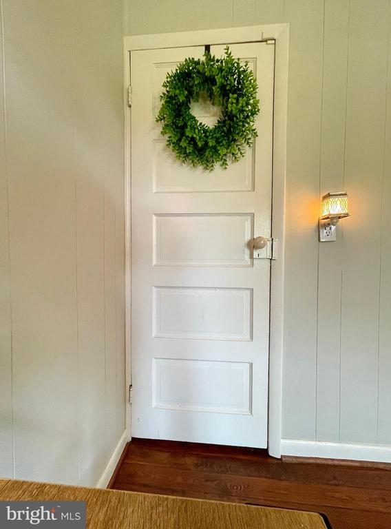 Original door from dining room to basement - 410 S NURSERY AVE, PURCELLVILLE