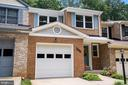Updated TH in sought after Somerset at Southrun - 8017 GALLA KNOLL CIR, SPRINGFIELD