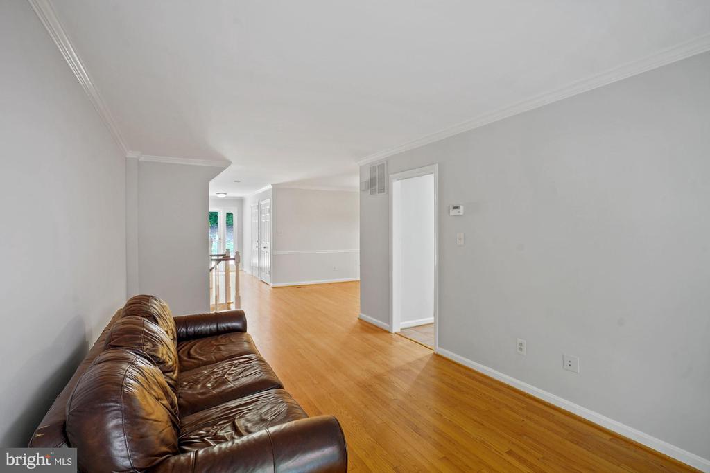 Living Room - 8017 GALLA KNOLL CIR, SPRINGFIELD