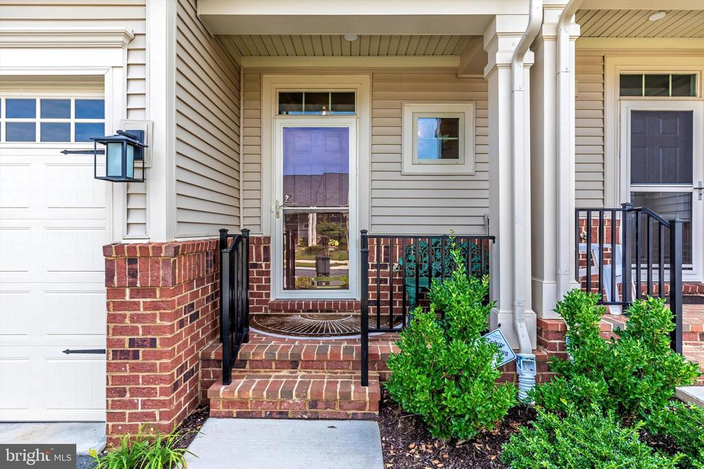 Spacious covered porch - 3835 FULHAM RD, FREDERICK