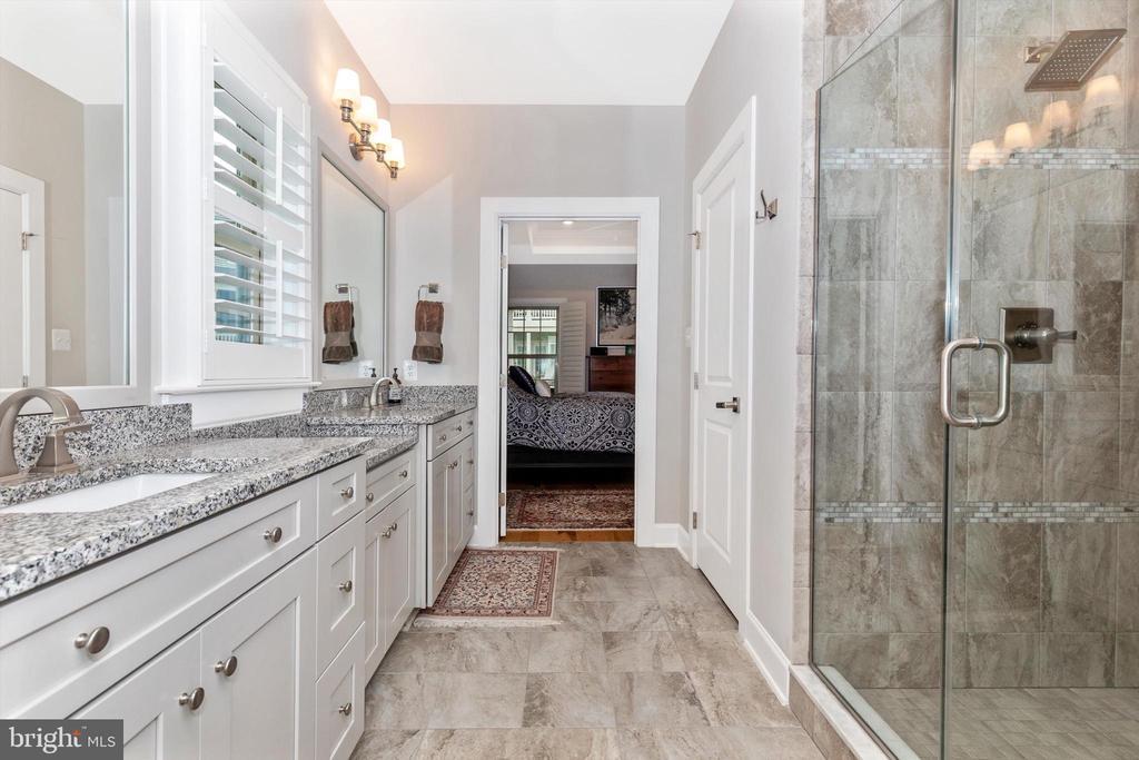 Dual vanity with granite countertop - 3835 FULHAM RD, FREDERICK