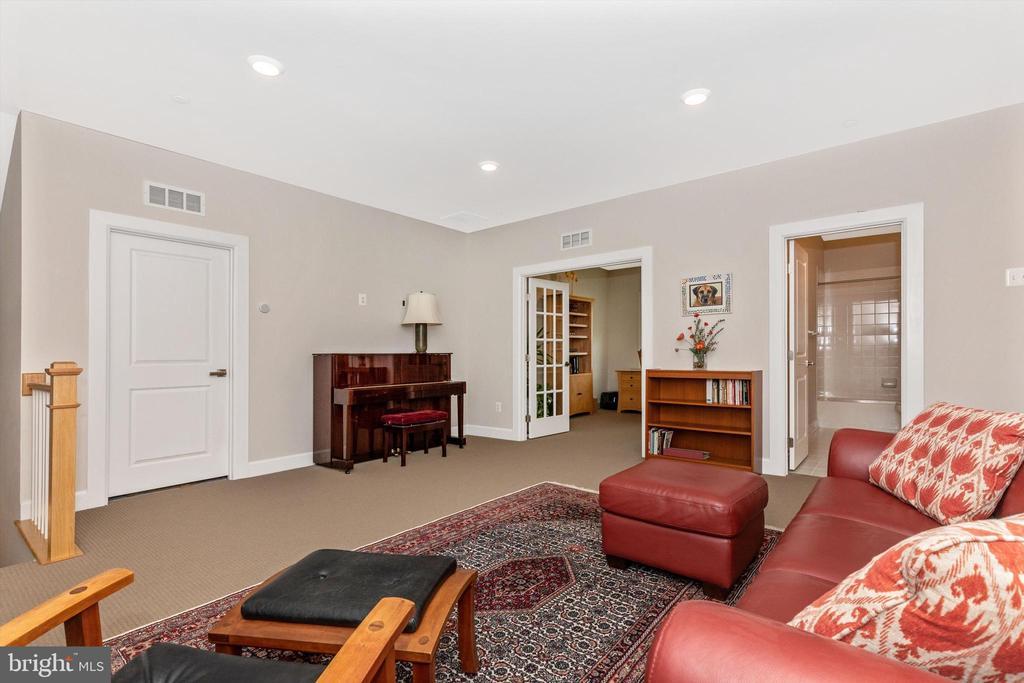 Upper level lounge/sitting area - 3835 FULHAM RD, FREDERICK