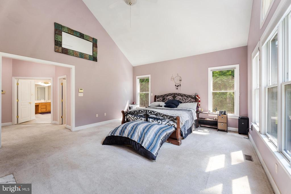 Opens to the large master bath and dressing area - 4346 BASFORD RD, FREDERICK