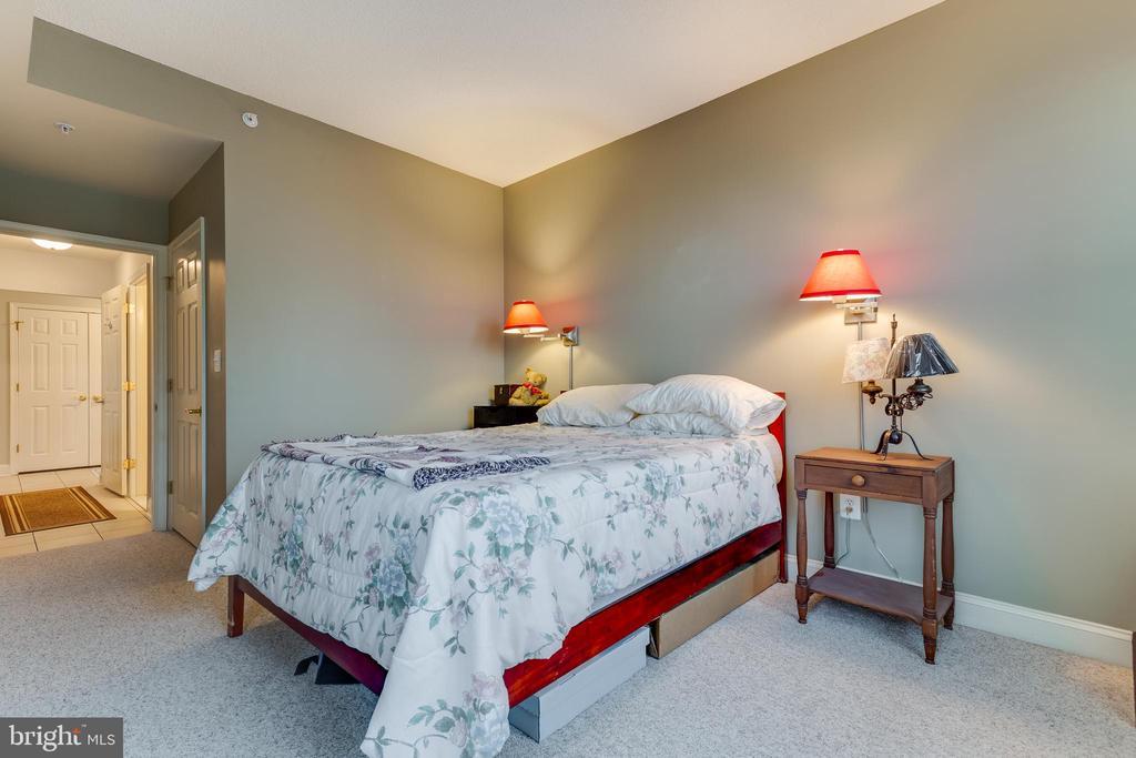 - 11776 STRATFORD HOUSE PL #806, RESTON
