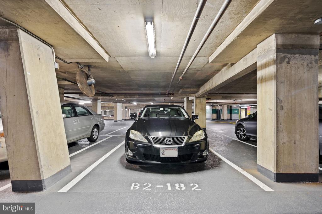 Prime parking space just steps to the elevator. - 1021 N GARFIELD ST #731, ARLINGTON