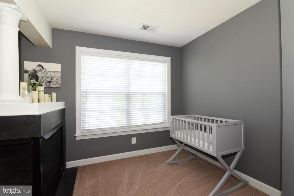 Perfect for home office or sitting room/nursery - 43298 HEATHER LEIGH CT, ASHBURN